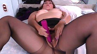 Latina Milfs Sharon Increased by Maribel Masturbate In Nylon