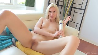 Blonde MILF Angelina makes herself cum relating to a vibrator in the first place the brush clit