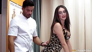 Bootyful oiled up babe Estrellita is fucked and jizzed by horny masseur