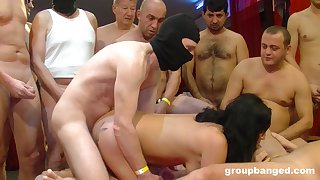 Black haired floozy with overheated lipstick cum sprayed in a threesome