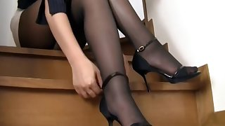 Japanese Girl Inky Pantyhose