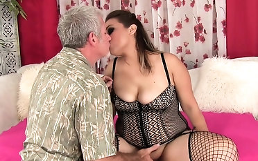 Plumper gets her pussy rubbed sympathetic and fingered Hammer away guy