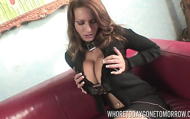 Giant-breasted Goldie Blair stripping sensually and toying her cooch