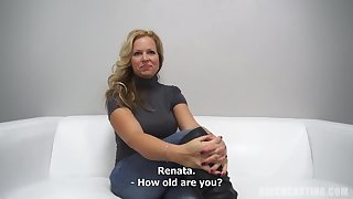 Inexperienced German MUMMY Takes Off Attire To the fore Audition