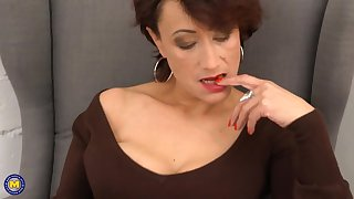 Elegant mature mom in the matter of hairy old cunt