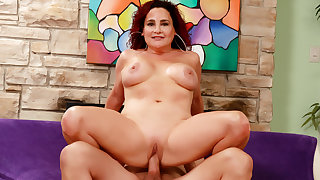Experienced Mature Amanda Ryder Gets Dirty with a Throb Dicked Chap