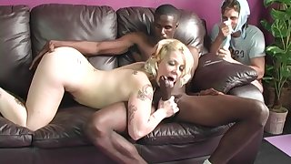 Blonde Candy Monroe enjoys hardcore fuck with a dude while she moans