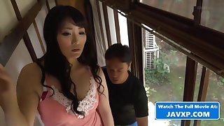 Asian Mommy With Steamy Engineer - overprotect