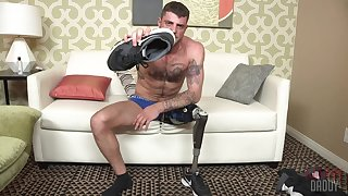 Cripple shows off jerking off in gay solo scenes