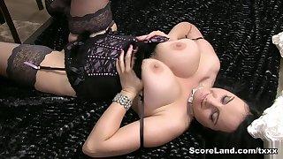 A Diamond In The Freak - Roxanne Diamond - Scoreland
