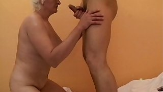Mature slut Anna2 loves having a large dick in her mouth and puss