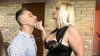 Big breasted flaxen-haired Anna Valentina is happy to be fucked missionary