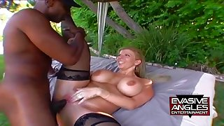 Big confidential MILF Sara Jay outdoor interracial