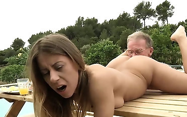 Tighty Body Young Girl Fucked Grandpa plus Sucked Dick